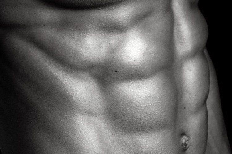 【自宅で簡単!】お腹スッキリ腹筋の鍛え方