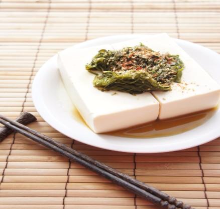 豆腐のめかぶかけ